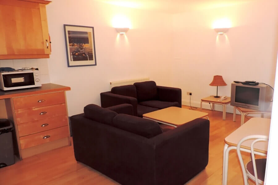 Crawford House Three Bedroom Apartment 3