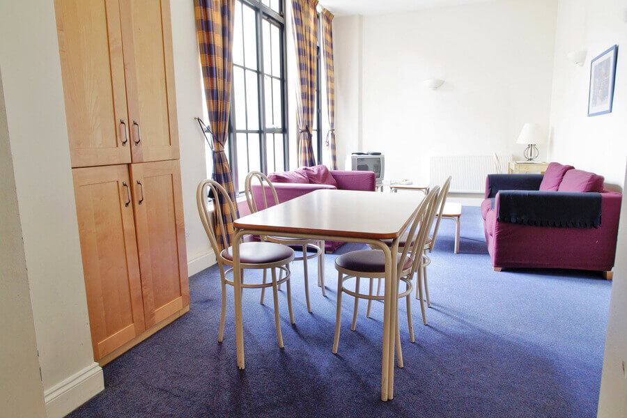Crawford House Three Bedroom Apartment 4