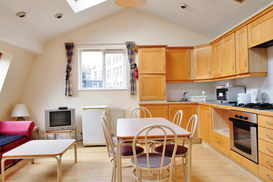Crawford House Three Bedroom Apartment 6