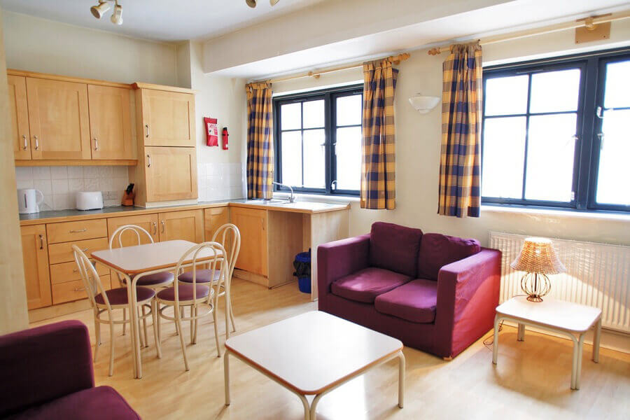 Crawford House Three Bedroom Apartment 9