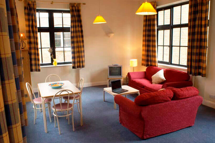 Crawford House Three Bedroom Apartment 10