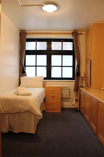 Crawford House Three Bedroom Apartment 12